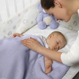 Укладывать ребёнка спать